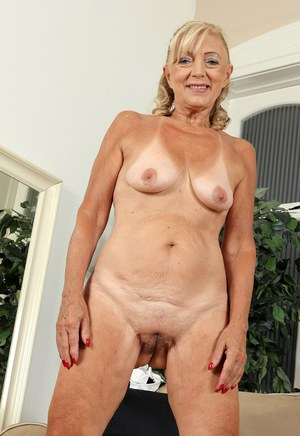 mature pussy porn